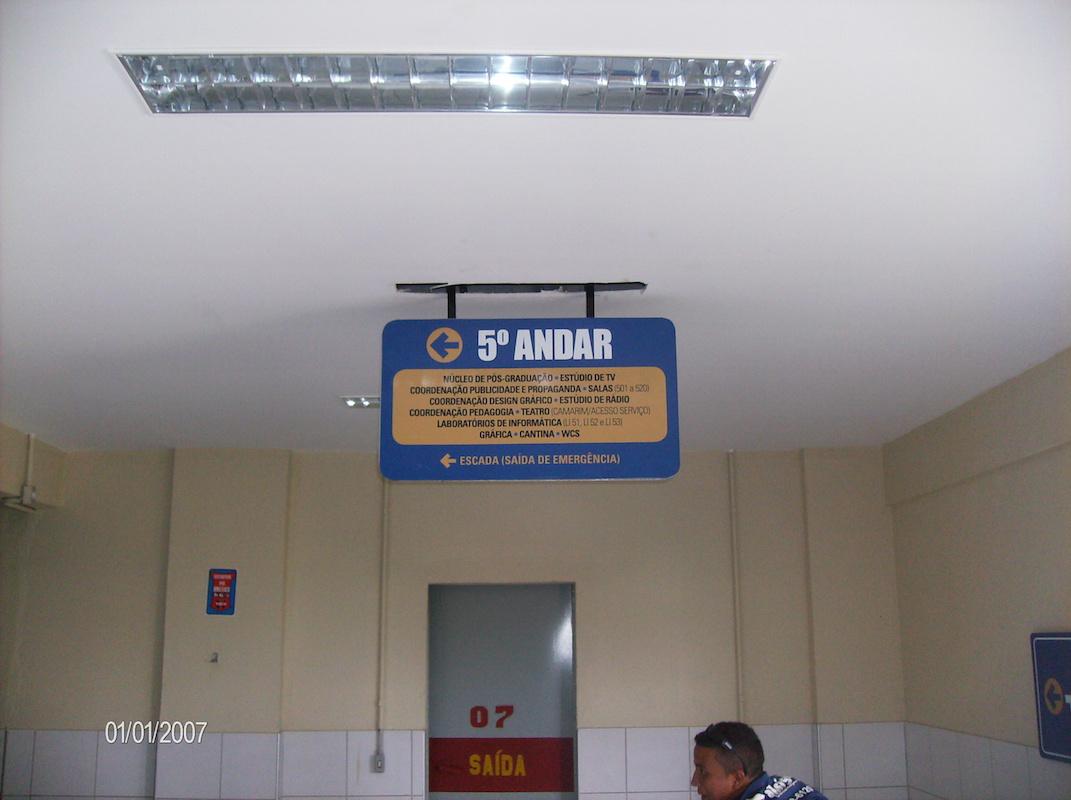 Sinalização em andares
